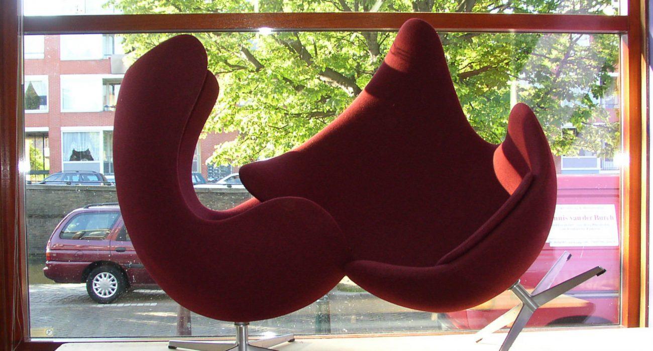 Fritz Hansen Egg chairs gestoffeerd door meubelstoffeerderij.nl